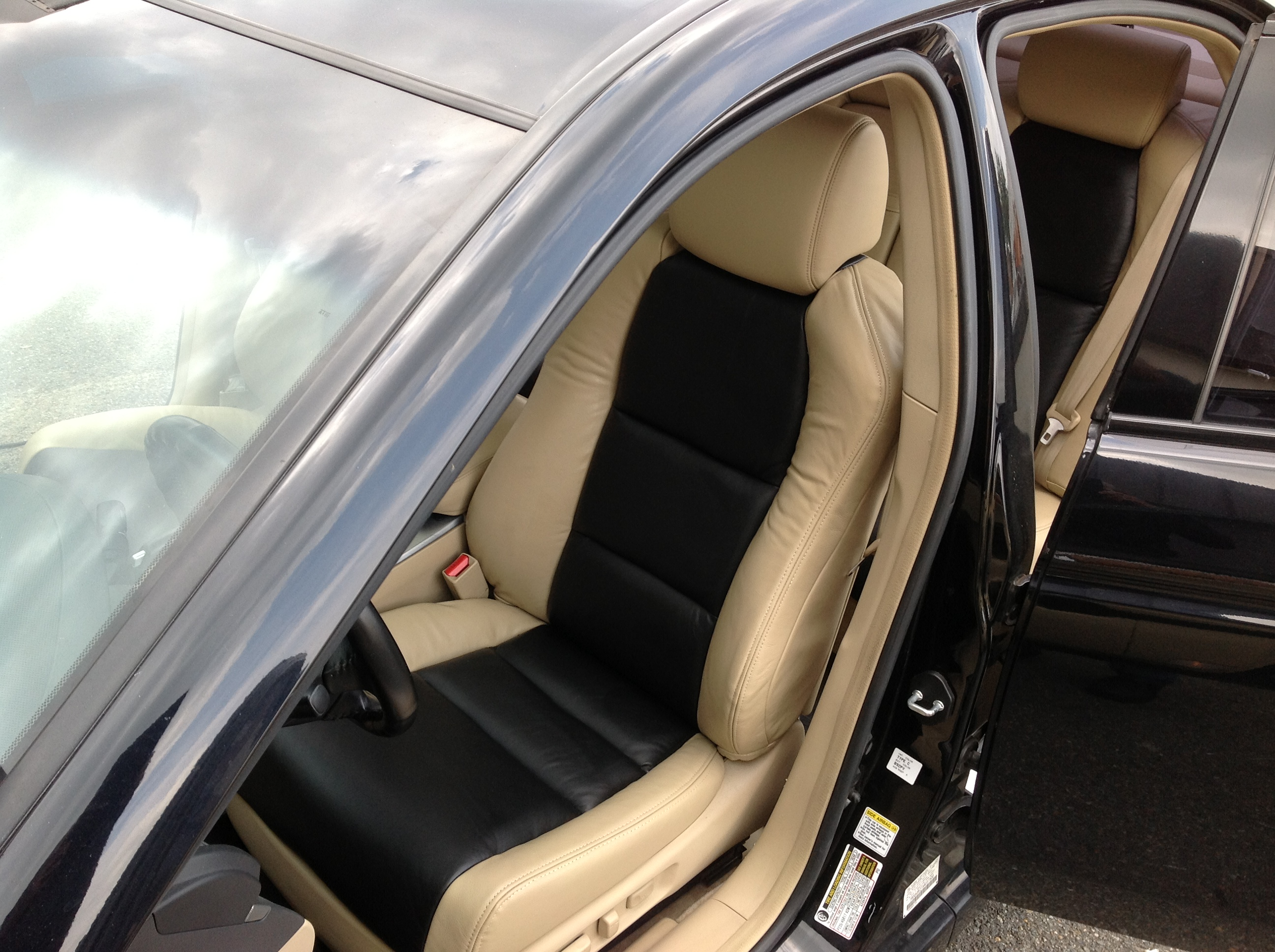 Acura tan n black front seat after2 (2014_07_21 05_41_10 UTC)